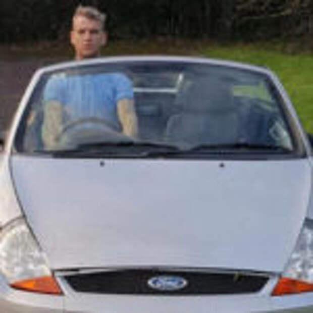 Высокого британца лишили водительских прав за «езду стоя»