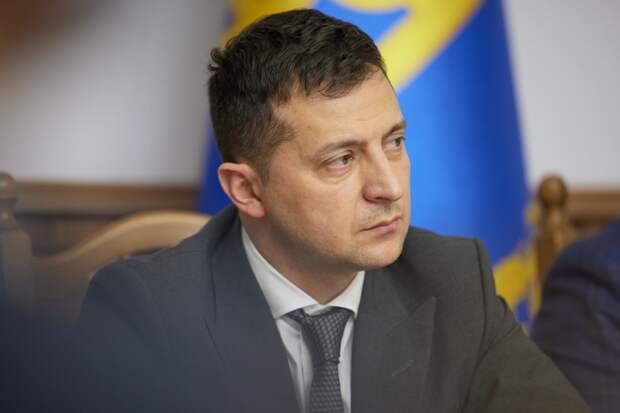 КС Украины обвинил Зеленского в превышении полномочий