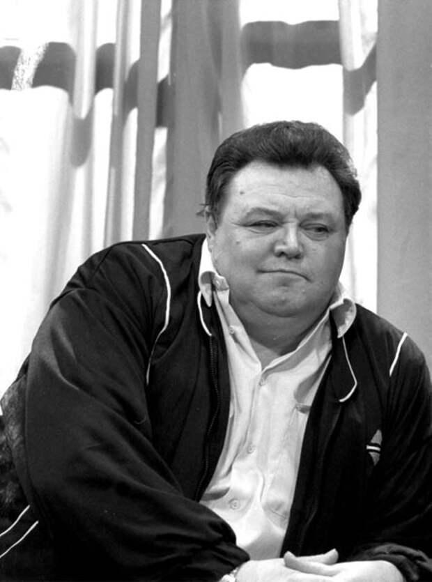 Как выглядел в детстве обаятельный кинопройдоха Вячеслав Невинный и как сложилась его судьба, изображение №13