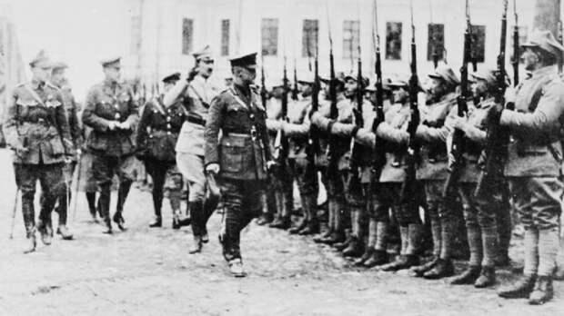 Зачем британские войска напали на Россию в 1918 году?