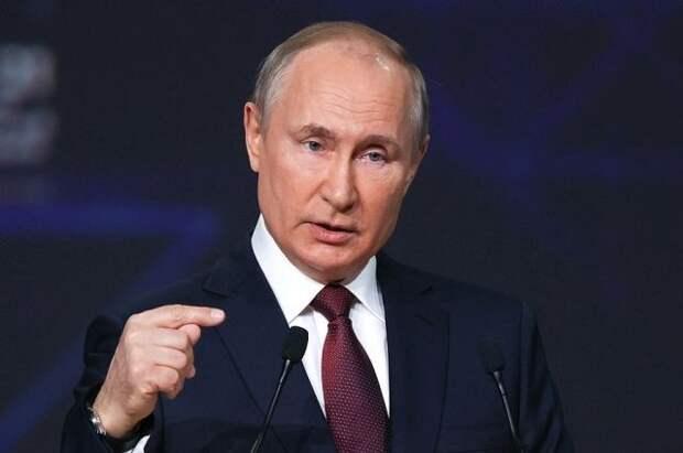 Путин: мировому порядку угрожает все больше вызовов