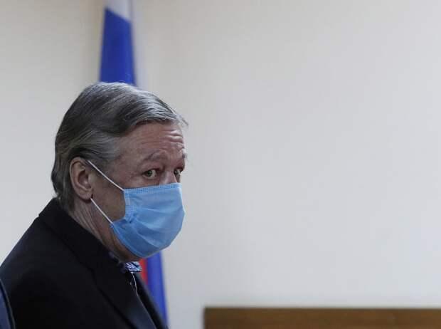 Ефремов заявил о необходимости создания в России тюремного театра