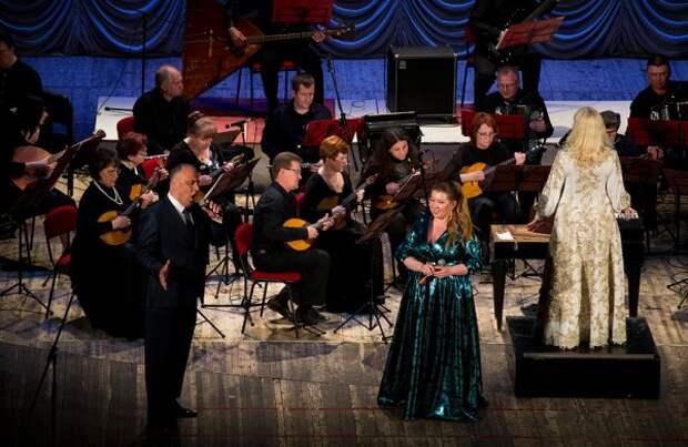 Весеннее вдохновение в Севастополе под звуки серебряных струн