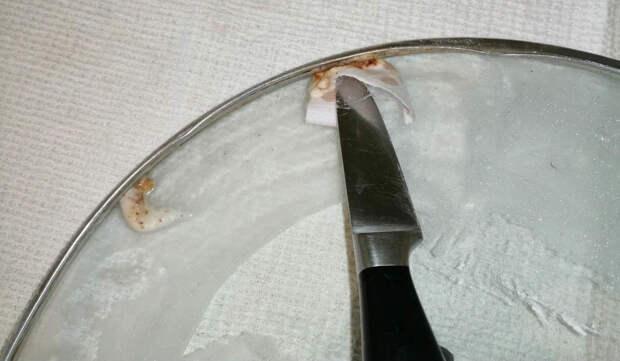 Как очистить крышку в труднодоступных местах