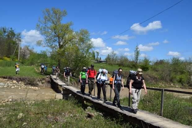 Мост через реку Фарс в Новосвободной