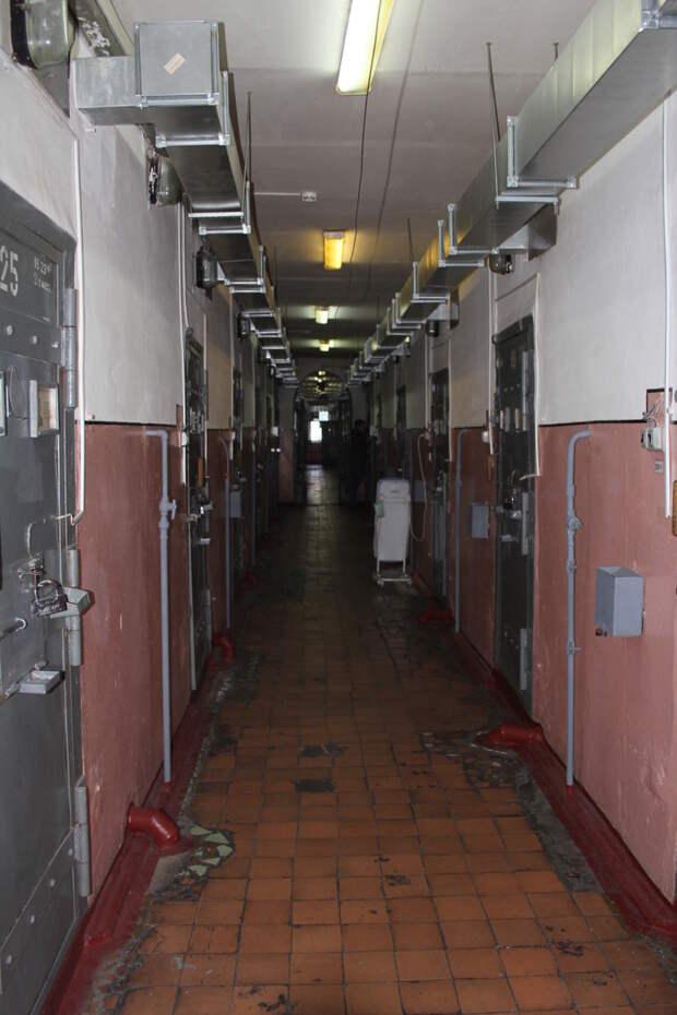 Где содержатся маньяки: репортаж из закрытой тюрьмы для смертников