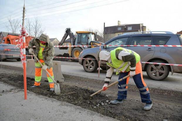 В Краснодаре ремонтируют улицу Российскую