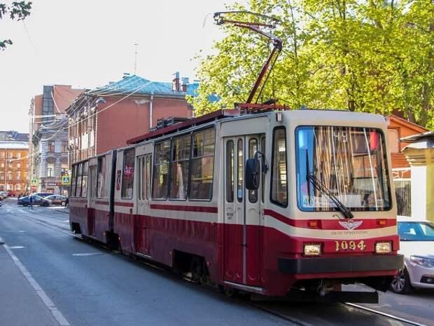 Общественный транспорт в Петербурге изменит маршруты в майские «каникулы»