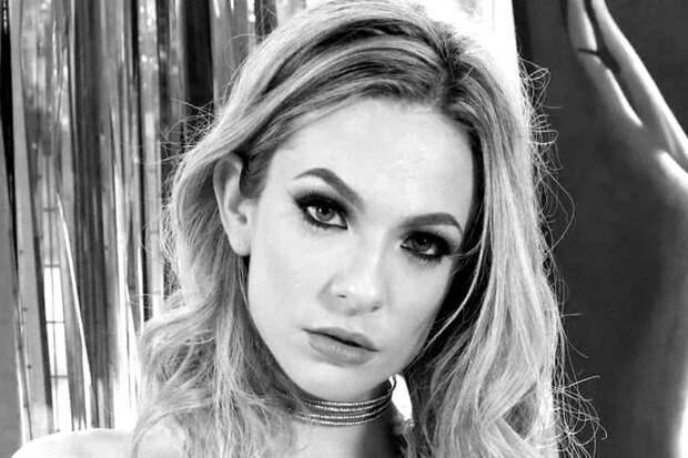 Звезда «фильмов для взрослых» Далия Скай покончила с собой
