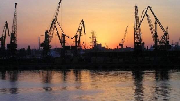 Ростислав Ищенко: Украинские порты обанкротятся без товаропотока из России