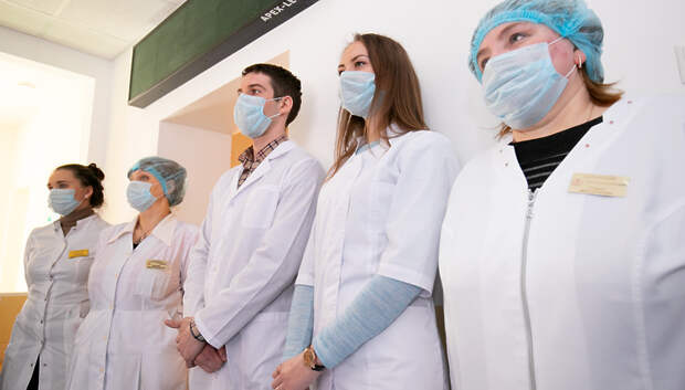Около 120 ординаторов вышли на работу в медучреждения Подмосковья