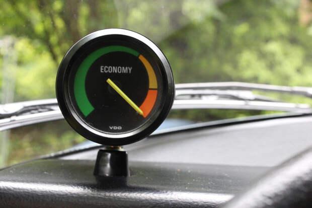 Зачем на приборной панели «АвтоВАЗа» устанавливали эконометр