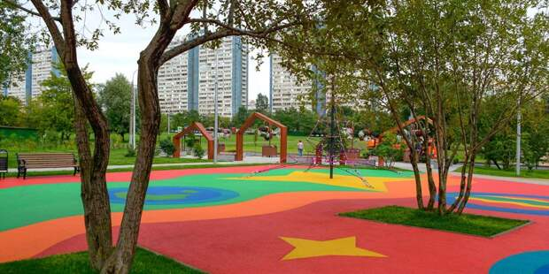 Пять дворов на улице Героев Панфиловцев благоустроят на средства от платных парковок