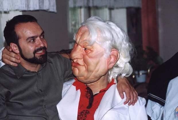 Виктор Шендерович и кукла Ельцина.