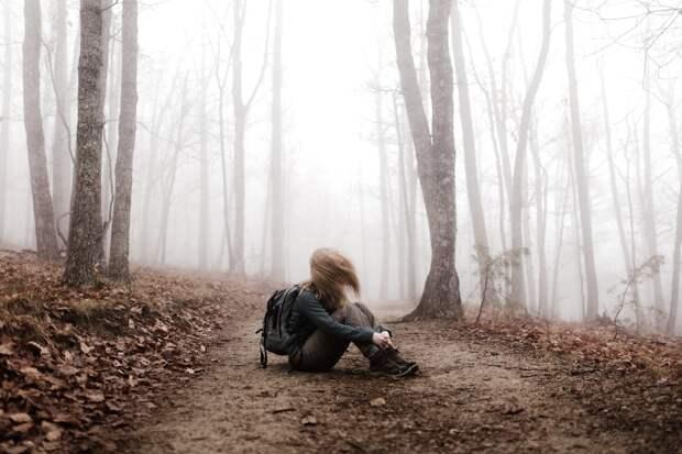 Девушка в лесу