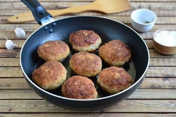 Котлеты из кабачков с сыром: очень полезное и вкусное блюдо!