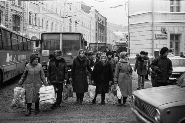 Давайте вспомним, как мы жили в Москве ровно 30 лет назад