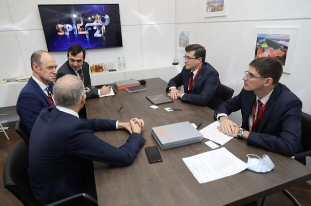 Глеб Никитин провел рабочую встречу сгендиректором ООО«Фольксваген Груп Рус» Штефаном Мехой