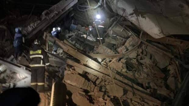 Галерея цеха обрушилась на горно-обогатительной фабрике в Норильске, сообщило МЧС
