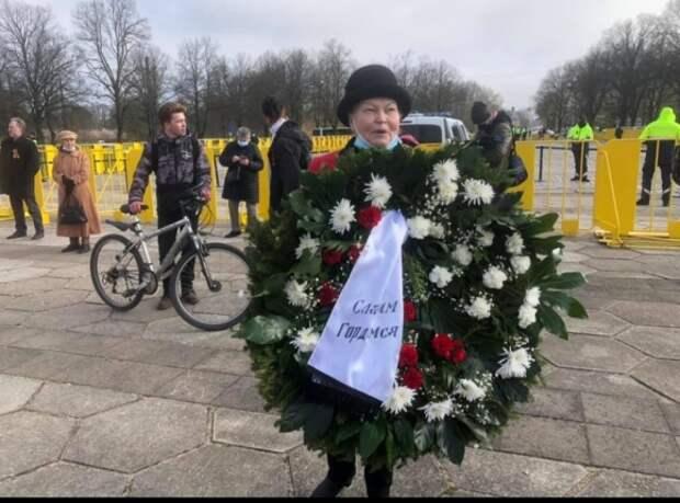 Латышские националисты аплодируют действиям рижской  полиции