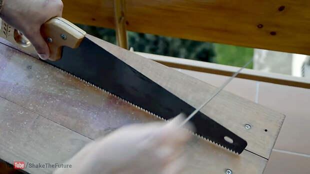 Как распилить гвоздь пилой по дереву без повреждения зубьев