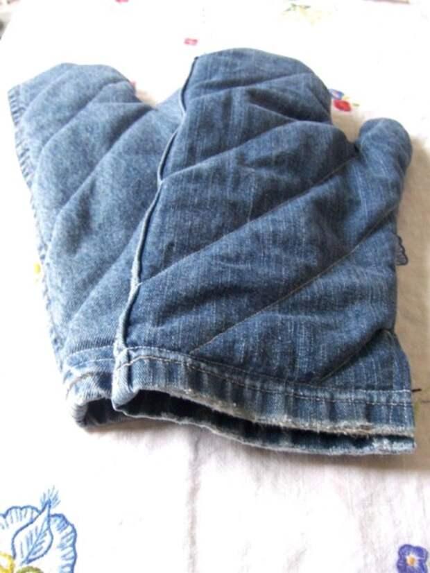 Перчатка для кухни из старых джинсов делается легко, но служит очень долго. /Фото: aprenderesgratis.com