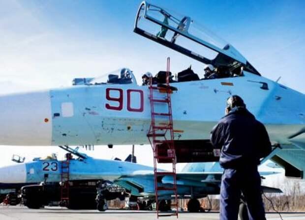 50 самолетов ВКС отработают бомбометание в Черном море