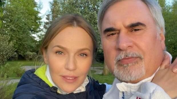 «Отец года»: Джанабаева показала, как Меладзе нянчит крошечную дочку