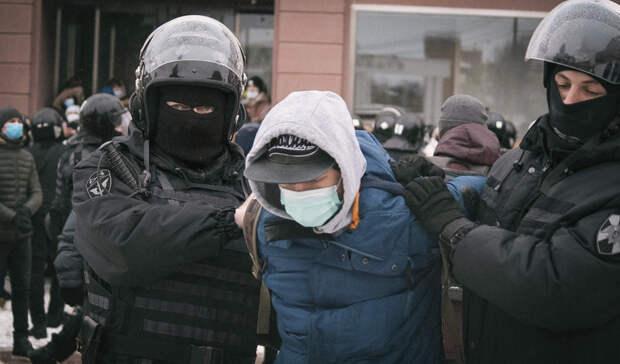 Троих жителей Карелии арестовали запризывы участвовать несанкционированных митингах