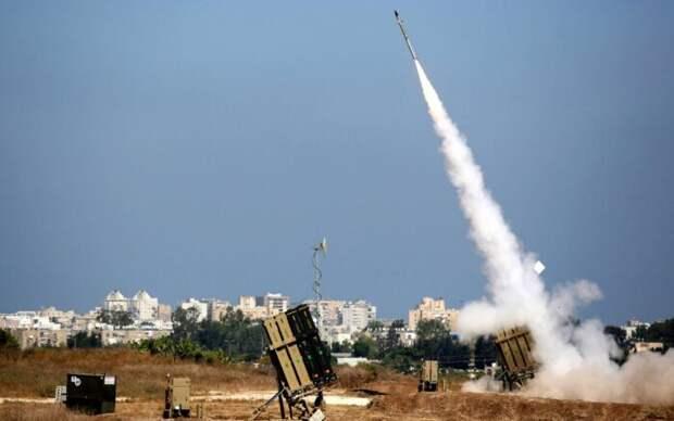 В Израиле высмеяли спрятавшегося в бункер министра обороны страны