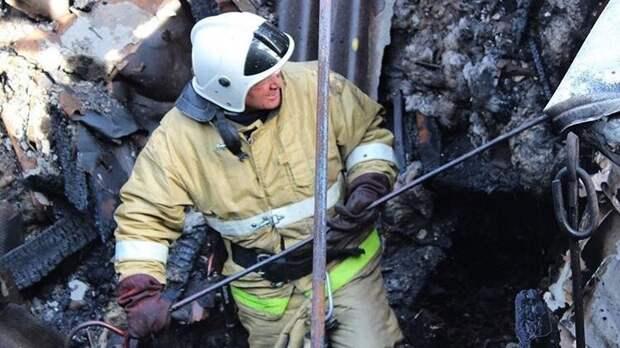 В Ленинском районе загорелся дом с людьми