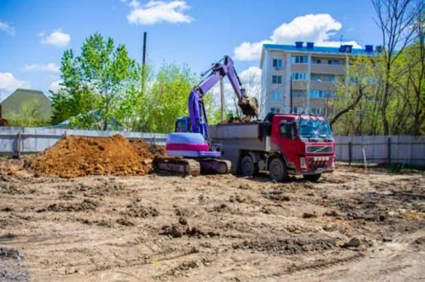 Мэр Владивостока проинспектировал стройку жилья для нуждающихся