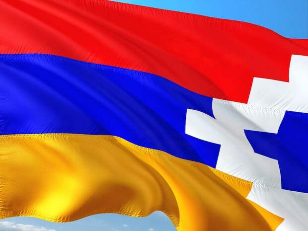 Путин восстановил мир в Карабахе, а воюющим сторонам - позор