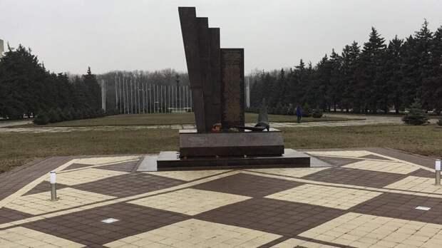 Мемориал жертвам крушения Boeing FlyDubai отремонтировали в Ростове
