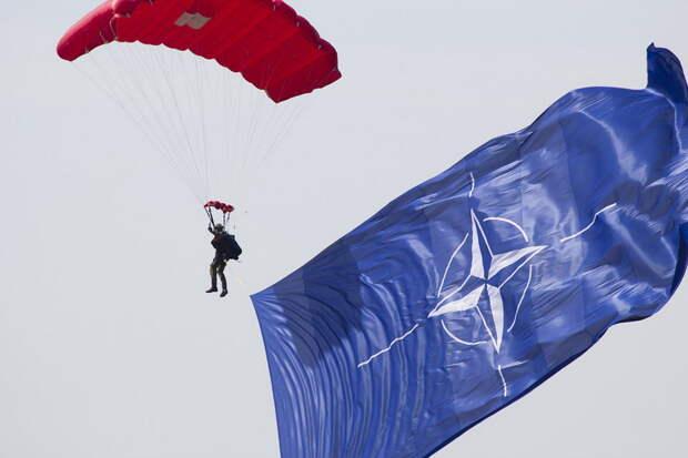 Киев добивается членства в НАТО любыми способами