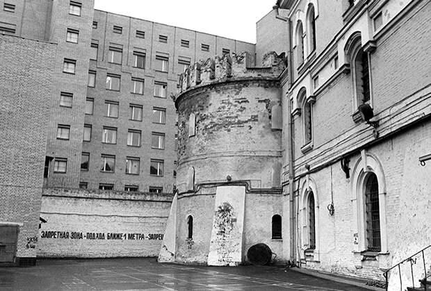 Здание Бутырской тюрьмы на Новослободской улице