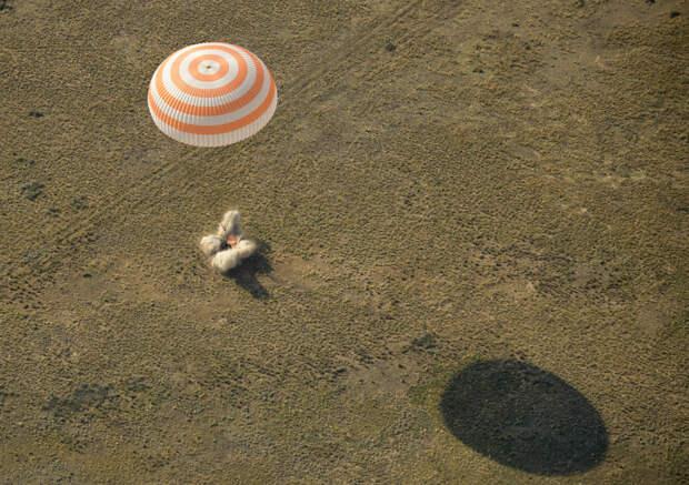 Возвращение на Землю космического корабля «Союз МС-11»