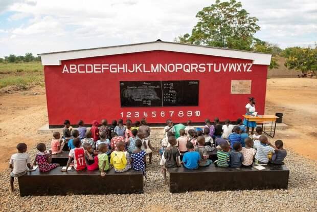 Первая в мире школа, напечатанная на 3D-принтере, открылась в Малави