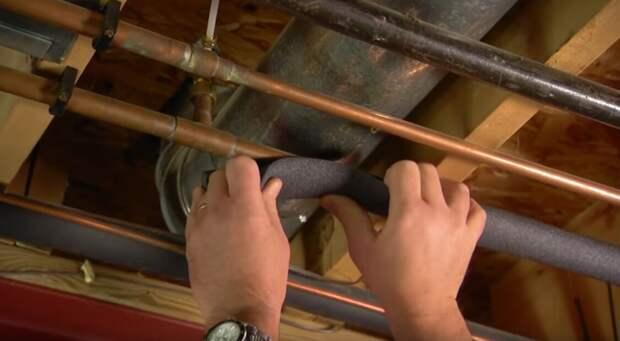 Один способ избежать последствий от промерзания труб на даче