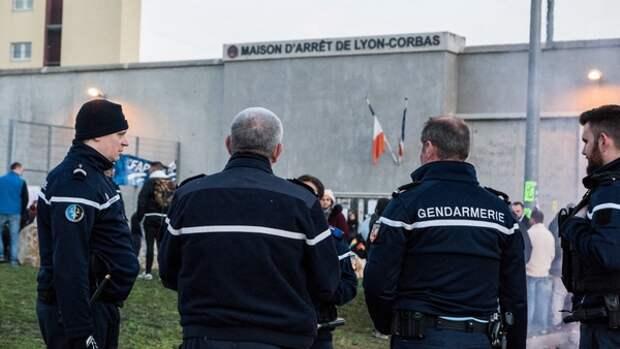 ФБР намерен добиться справедливости в деле об убитом в тюрьме Франции афроамериканце