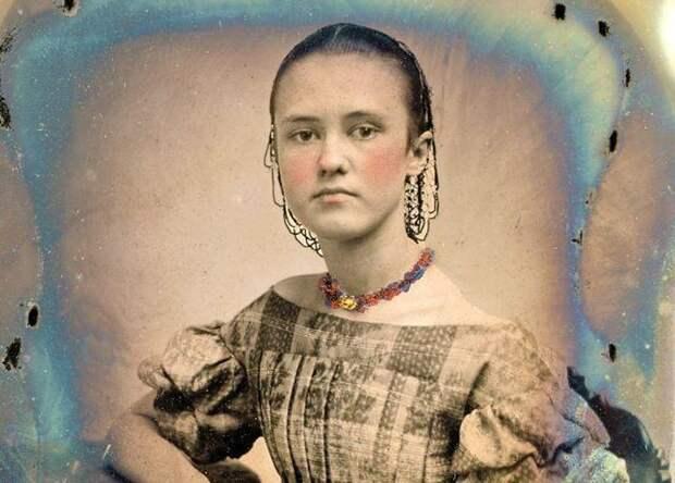 20 колорированных ретро-фото: как выглядели девушки-подростки в середине XIXвека