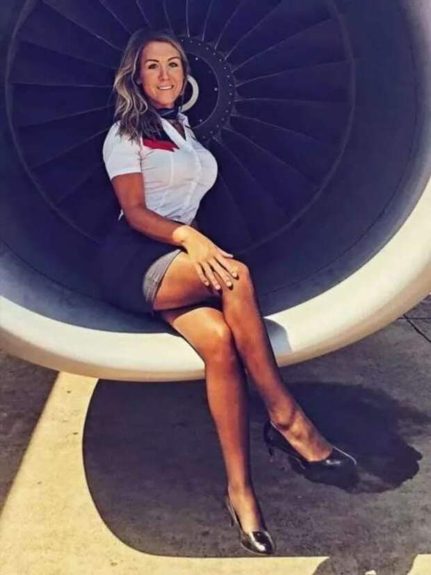 Ножки стюардесс. Подборка chert-poberi-styuardessy-chert-poberi-styuardessy-34370108022021-11 картинка chert-poberi-styuardessy-34370108022021-11