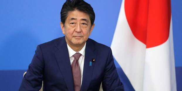 За что Абэ поблагодарил главу Еврокомиссии?