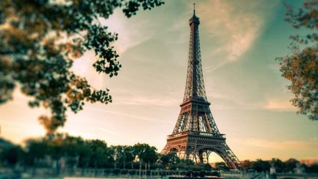 Жители Франции предложили Москве дополнить список недружественных стран