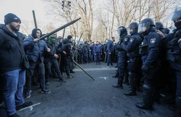 Первый день Майдана начинался со 100 человек