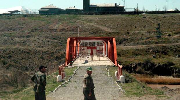 Погранслужбу ФСБ России обстреляли в Карабахе - Азербайджан
