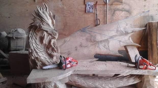 И снова в кадре работы по дереву