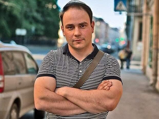 Петербургские депутаты поручились за задержанного политика Андрея Пивоварова