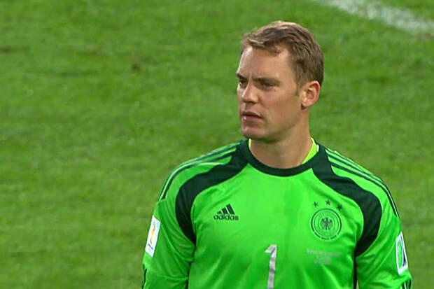 Вратарь сборной Германии выйдет на поле с символом ЛГБТ