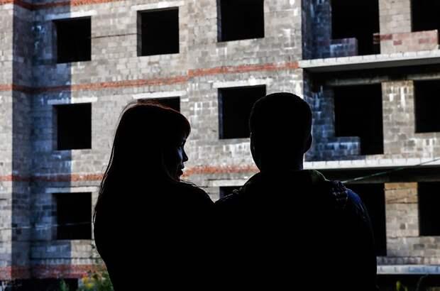 Очередникам пообещали квартиры в домах недобросовестных застройщиков